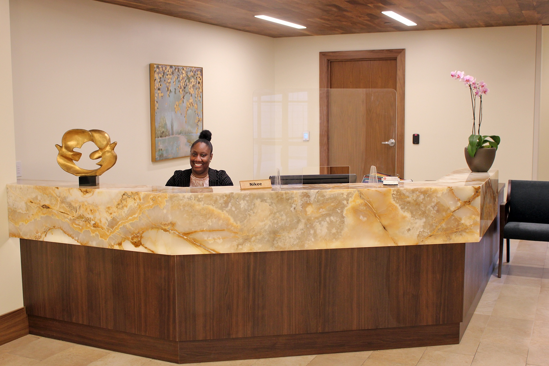 Saint John's Phase 3 - Central-Desk